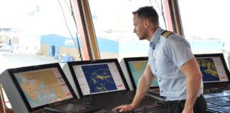 Das Synapsis INS von Raytheon Anschütz an Bord der »Esvagt Faraday«, einem weiteren Windpark-Serviceschiff von Esvagt