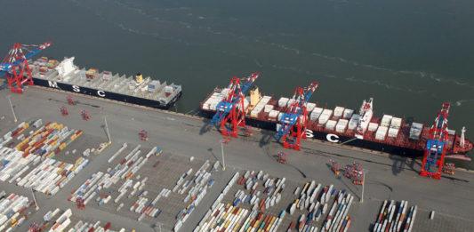 Der JadeWeserPort in Wilhelmshaven wird künftig auch von Hamburg Süd und Hyundai angelaufen