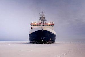 Forschungseisbrecher Polarstern AWI-Mario Hoppmann 3